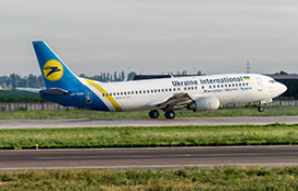 mal-ur-gap-ukraine-international-airlines-boeing-737-400_9